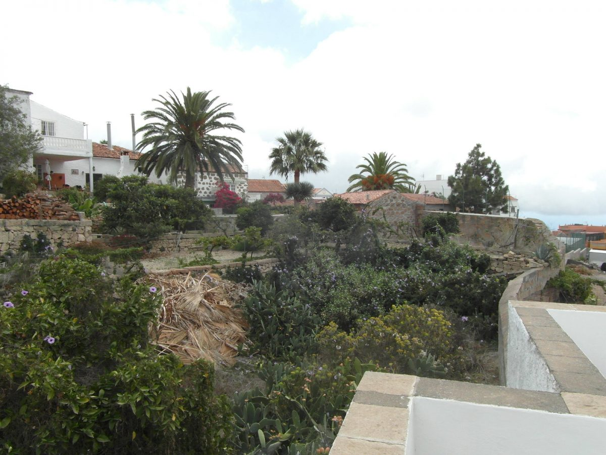 Ref 1016 Building plot  in San Miguel de Abona.